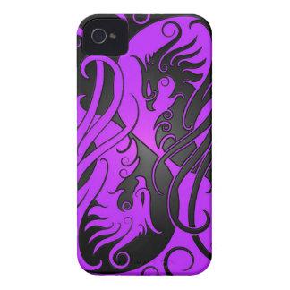 Yin púrpura y negro Yang Phoenix iPhone 4 Protector