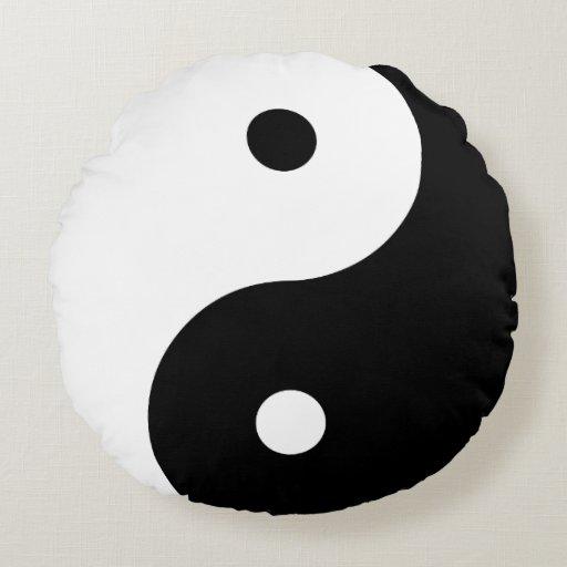 Yin Yang - black Round Pillow