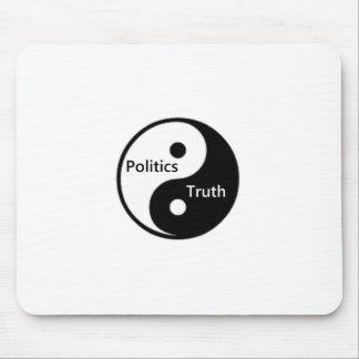 Yin Yang de la política y de la verdad Tapetes De Ratones