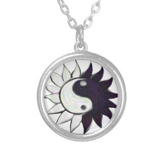 Yin-Yang flower necklace