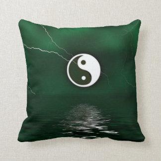 Yin Yang Levitate la almohada de tiro de MoJo del