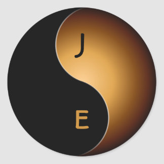 yin yang monogram - toffee classic round sticker