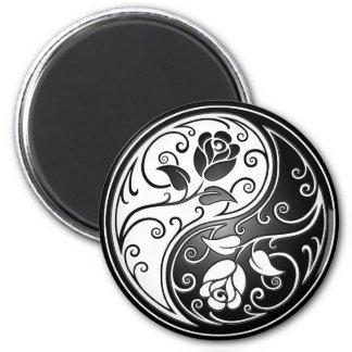 Yin Yang Roses, black Magnet