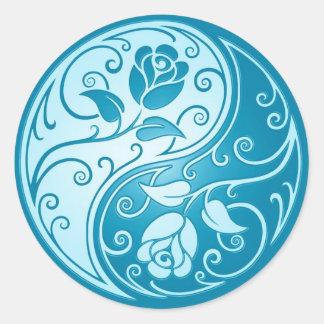Yin Yang Roses, blue Classic Round Sticker