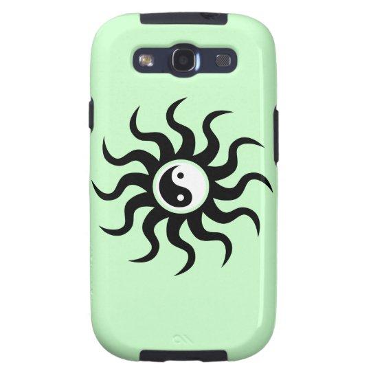 Yin-Yang Sun-Black/White on Soft Green Galaxy SIII Cover