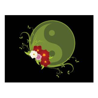 Yin Yang y flores Postales