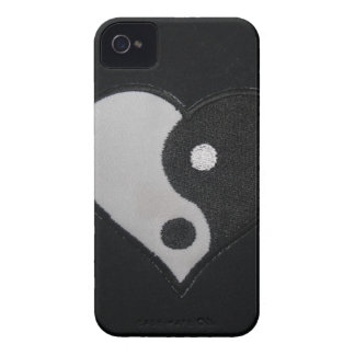 Ying Yang (B&W) Heart Products iPhone 4 Cases