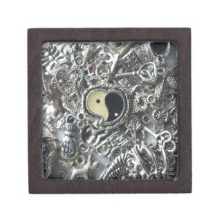 ying yang charm gift box