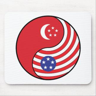 Ying Yang Singapore America Mousepad