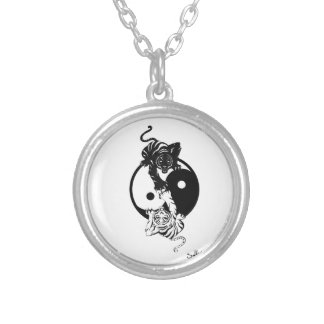 Ying yang tiger round pendant necklace