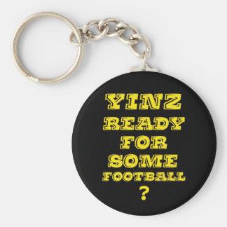 Yinz listo para un cierto fútbol llavero personalizado