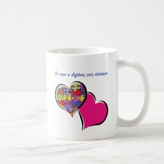 Yo amo a alguien con autismo taza de café