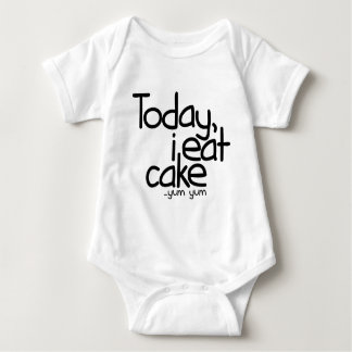 Yo como hoy la torta (el cumpleaños) body para bebé