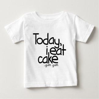 Yo como hoy la torta (el cumpleaños) playera de bebé