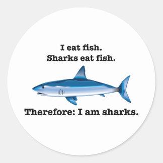 Yo como pescados. Los tiburones comen pescados. Pegatina Redonda