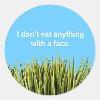 Yo no como cualquier cosa con una cara etiqueta redonda