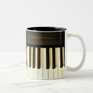 Yo y mi piano Keys_ Mug_by Elenne Taza De Café De Dos Colores