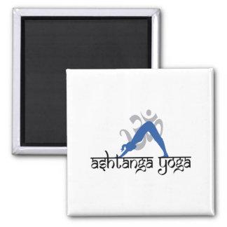 Yoga boca abajo de Ashtanga del perro Iman