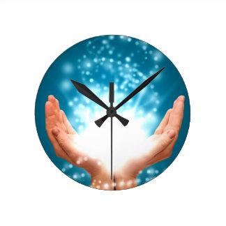 Yoga curativa verde del zen de la energía de Reiki Reloj Redondo Mediano