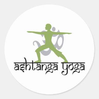 Yoga de Ashtanga de la actitud del guerrero Pegatina Redonda