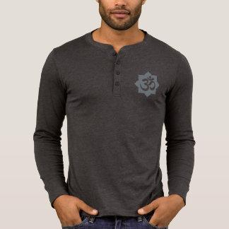 Yoga de la espiritualidad del símbolo de OM Lotus Camiseta