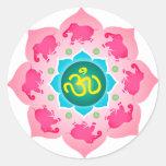 Yoga de OM de la flor de Namaste Lotus Pegatina Redonda