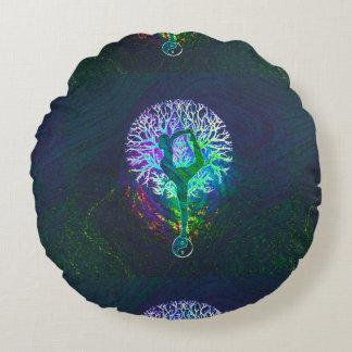 Yoga de Yin Yang de la energía del arco iris Cojín Redondo
