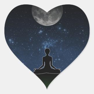 Yoga debajo de la luna pegatina corazón personalizadas