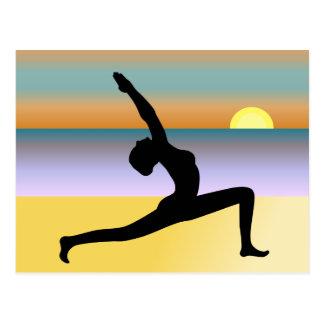 Yoga en la postal de la playa