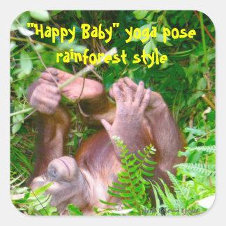 Yoga feliz de la selva tropical del bebé pegatina cuadrada