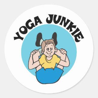 Yoga Junkie Men's Classic Round Sticker