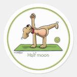 Yoga - media luna etiqueta redonda
