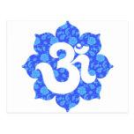 Yoga OM en Lotus azul marino Postal