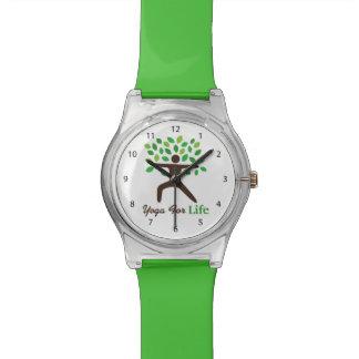 Yoga para la vida actitud del guerrero árbol reloj