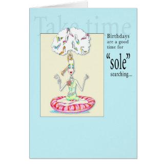 """Yoga """"única"""" buscando la tarjeta de cumpleaños"""