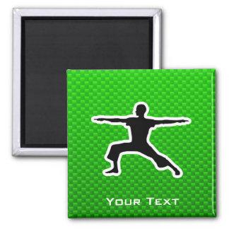Yoga verde imán cuadrado