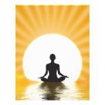 Yogui meditating membrete