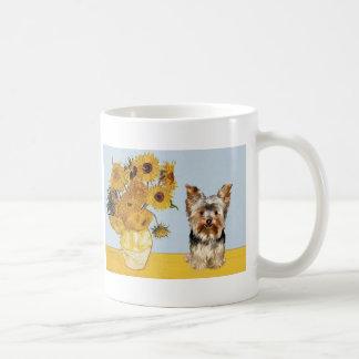 Yorkshire Terrier 17 - girasoles Taza Clásica