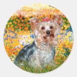 Yorkshire Terrier (t) - jardín (VG) Etiquetas Redondas