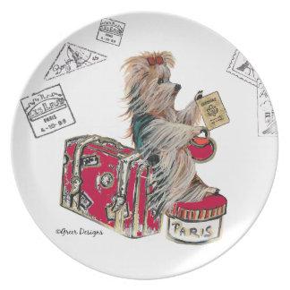 """Yorkshire Terrier """"tiene maleta, viajará """" Plato"""