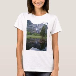 yosemite falls reflection T-Shirt