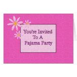 You' re invitada a un fiesta de pijama tarjetón