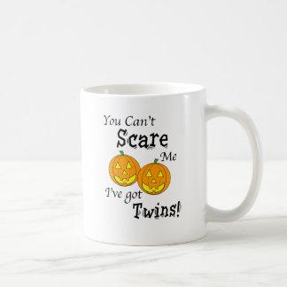 You can't scare me twins - pumpkins coffee mug
