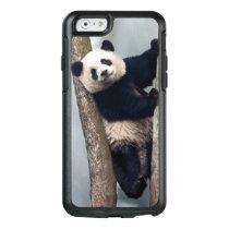 Young Panda climbing a tree, China OtterBox iPhone 6/6s Case