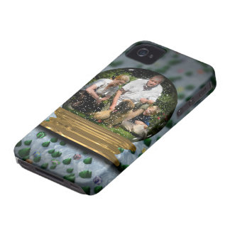 Your own photo in a Snowglobe Frame! - iPhone 4 Cover