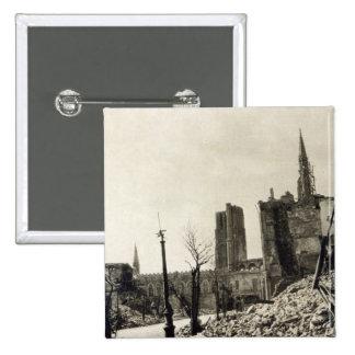 Ypres de Rue de Ville, junio de 1915 Pin Cuadrado