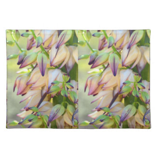 yucca flowers placemat