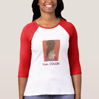 ¡Yum, COLOR!  Camiseta linda de la ardilla