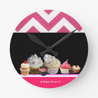 YUMMY COLORFUL CUPCAKES DESERT SHOP Pink Chevron Round Clock