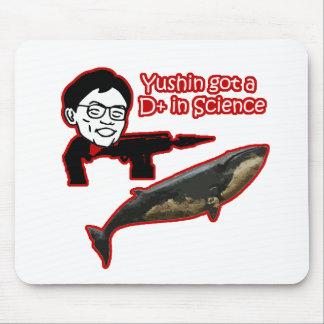Yushin el cazador de la ballena alfombrillas de ratón